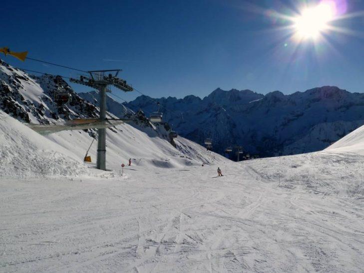The Adamello ski area extends to over 3,000 m above sea level.