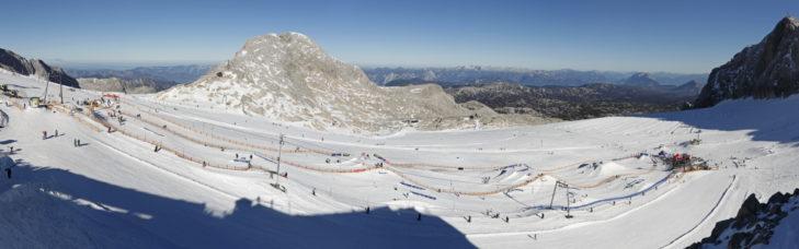 The impressive snow park on the Dachstein glacier.