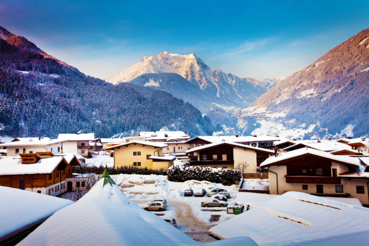 Winter holidays in Austria - here with a view of the Mayrhofen mountains.