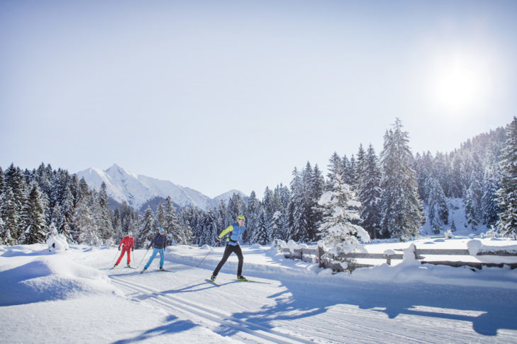 Cross-country skier in the popular cross-country skiing region of Seefeld.