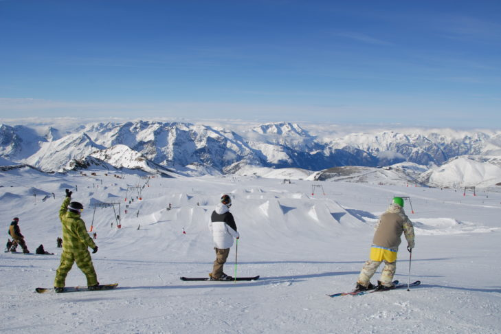 The snowpark of Les 2 Alpes is situated at 3,200 m altitude.
