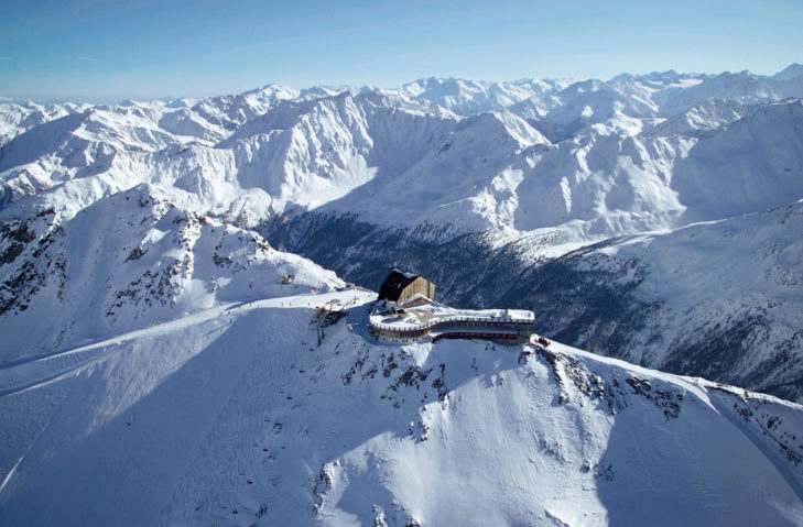 Stay overnight at spectacular altitude: the Hotel Grawand.