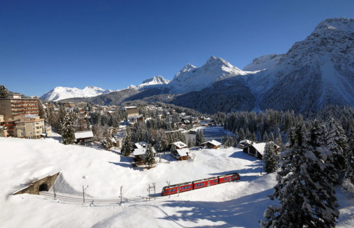Arosa is connected to the Rhaetian Railway network.