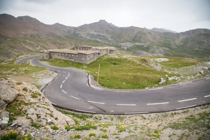 The highest Alpine pass leads through the French Maritime Alps.