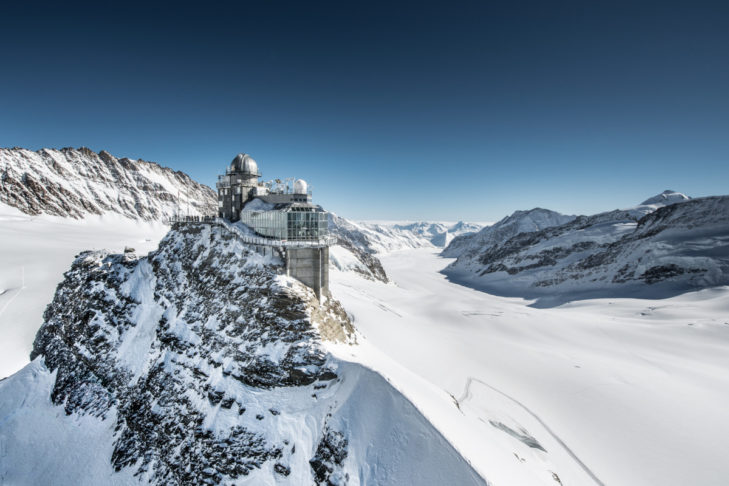 Alpine record: The Jungfraujoch rackwheel railway takes mountain fans to the highest station in the Alps.