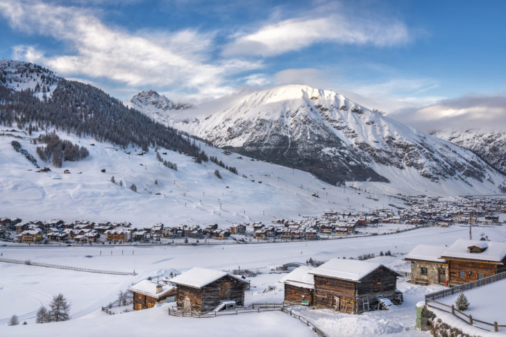 The picturesque municipality of Livigno stretches for a few kilometres through a wide valley.